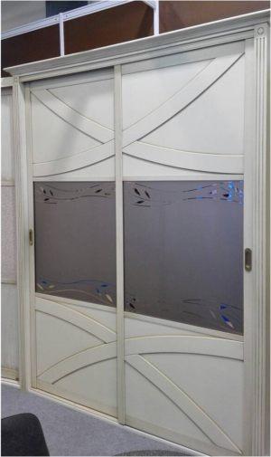 Классический шкаф купе с эксклюзивным декором Электросталь