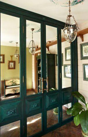 Распашные двери филенкой и декоративными накладками Электросталь