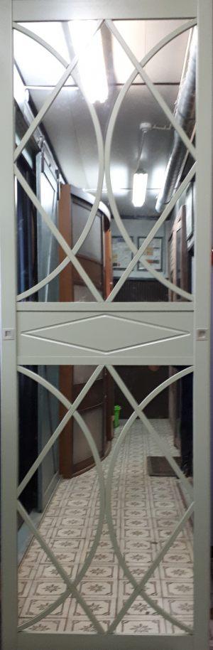 Вставка в дверь с фигурной филенкой Электросталь